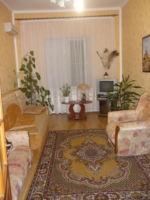 1-комнатная квартира посуточно в Бердянске. ул. Розы Люксембург, 49. Фото 1