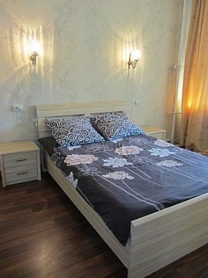 2-комнатная квартира посуточно в Харькове. Киевский район, ул. Мироносицкая, 89. Фото 1