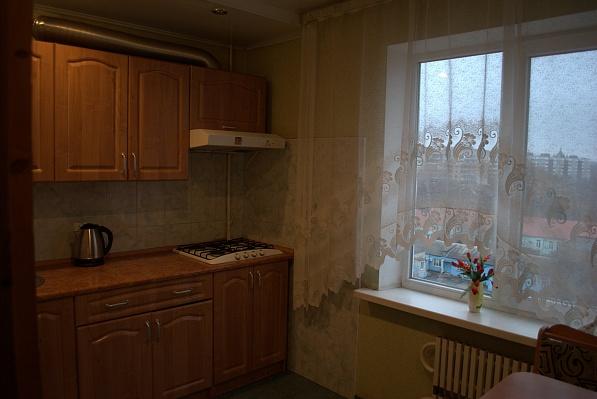 3-комнатная квартира посуточно в Запорожье. Жовтневый район, ул. Артема , 67. Фото 1