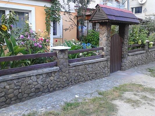 2-комнатная квартира посуточно в Сколе. ул. Данила Галицкого, 5. Фото 1