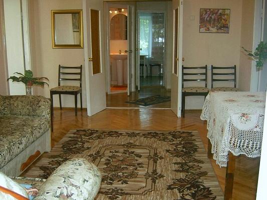 4-комнатная квартира посуточно в Киеве. Печерский район, б-р Леси Украинки, 9. Фото 1