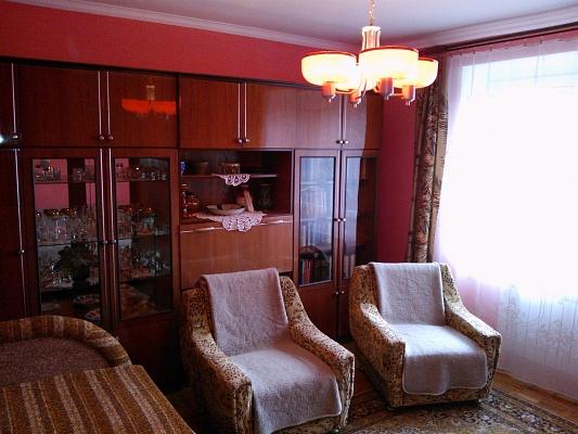 2-комнатная квартира посуточно в Берегово. пер. Мукачевский, 2a/67. Фото 1