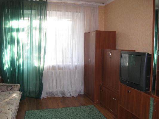 1-комнатная квартира посуточно в Симферополе. Киевский район, ул. Ростовская, 9. Фото 1