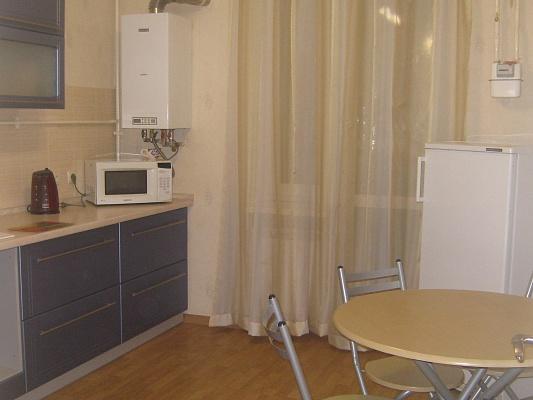 1-комнатная квартира посуточно в Симферополе. Киевский район, ул. Камская, 23. Фото 1