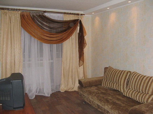 1-комнатная квартира посуточно в Кременчуге. ул. Пролетарская, 13. Фото 1