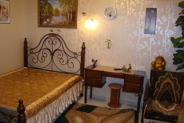 1-комнатная квартира посуточно в Киеве. Дарницкий район, ул. Ахматовой, 48. Фото 1