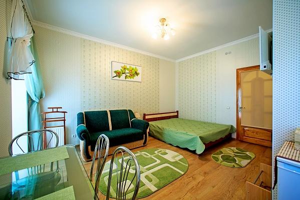 Мини-отель  посуточно в Каменце-Подольском. ул. Зарванская, 20/1. Фото 1