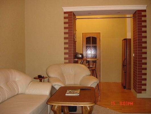 2-комнатная квартира посуточно в Львове. Галицкий район, ул. Дудаева, 4. Фото 1