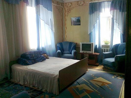 1-комнатная квартира посуточно в Каменце-Подольском. ул.Зарванская, 4. Фото 1