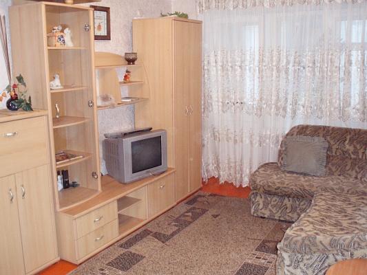 1-комнатная квартира посуточно в Мариуполе. ул. Сеченова, 68. Фото 1