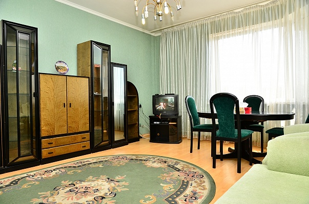 3-комнатная квартира посуточно в Киеве. Голосеевский район, ул. Гайдара, 27. Фото 1