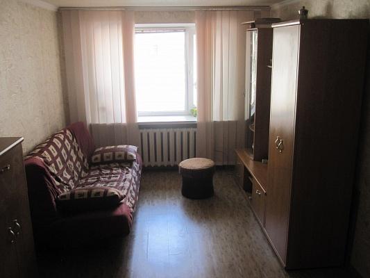 2-комнатная квартира посуточно в Бердянске. ул. Роза-Люксембург, 26. Фото 1