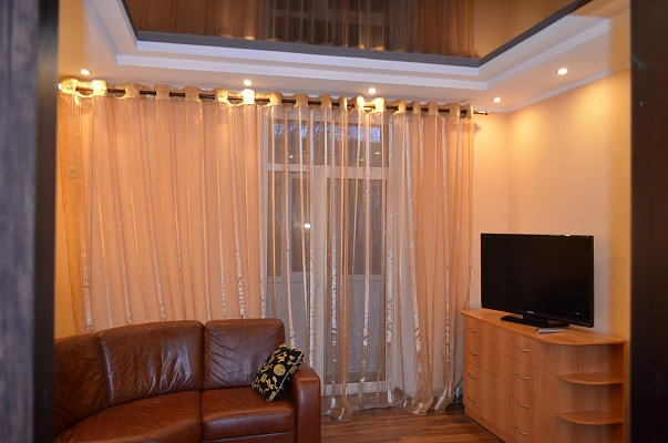 2-комнатная квартира посуточно в Никополе. пр-т Трубников , 29. Фото 1