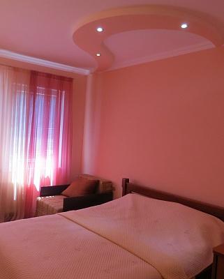 1-комнатная квартира посуточно в Ялте. ул. Чехова, 19А. Фото 1