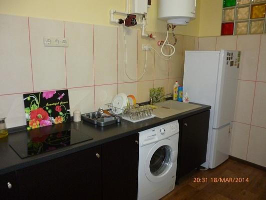 2-комнатная квартира посуточно в Симферополе. Киевский район, ул. Донская, 26а. Фото 1