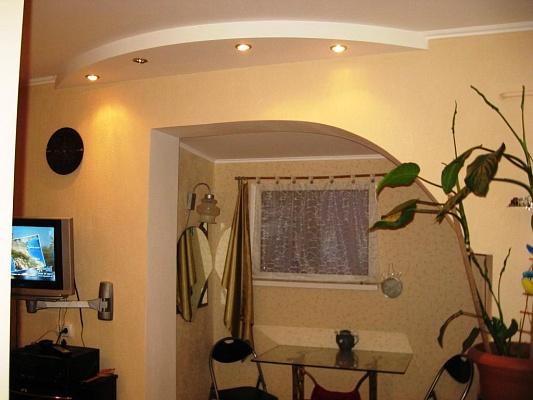 2-комнатная квартира посуточно в Евпатории. ул. Краевского, 11. Фото 1