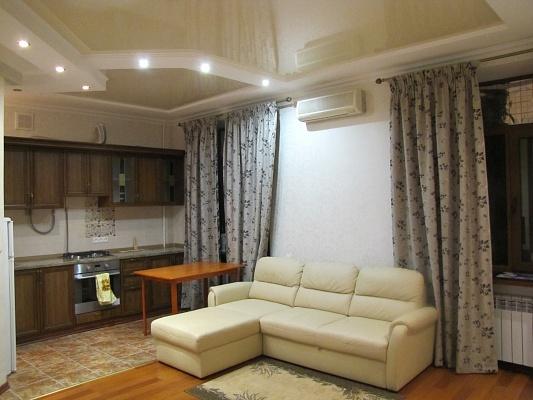 2-комнатная квартира посуточно в Николаеве. Центральный район, ул. Набережная, 5. Фото 1