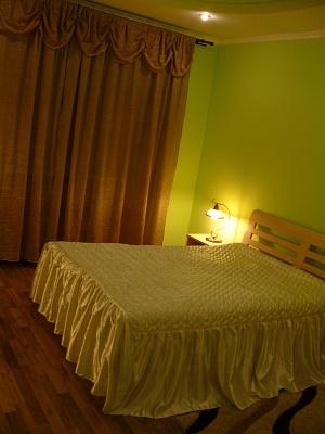 1-комнатная квартира посуточно в Трускавце. ул. Крушельницкой, 6. Фото 1