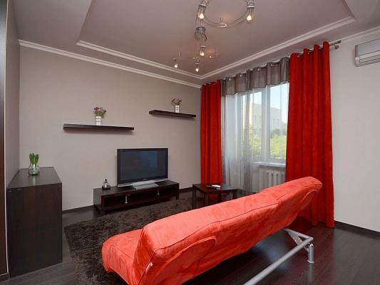 2-комнатная квартира посуточно в Харькове. Краснозаводской район, Плехановская, 19. Фото 1