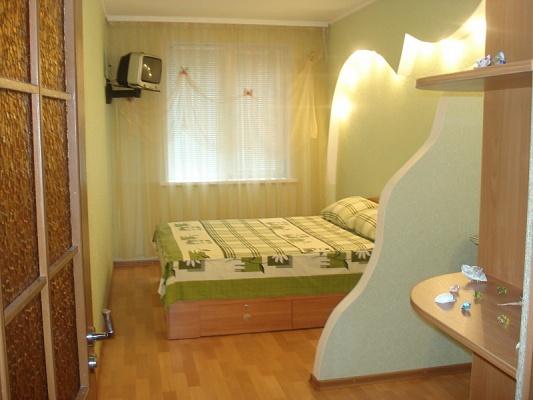 2-комнатная квартира посуточно в Сумах. Заречный район, ул. Сумско-Киевских Дивизий, 36. Фото 1