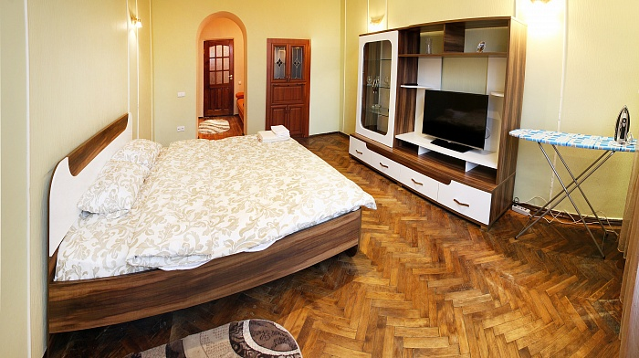 1-комнатная квартира посуточно в Львове. Галицкий район, пл. Святого Теодора, 11. Фото 1