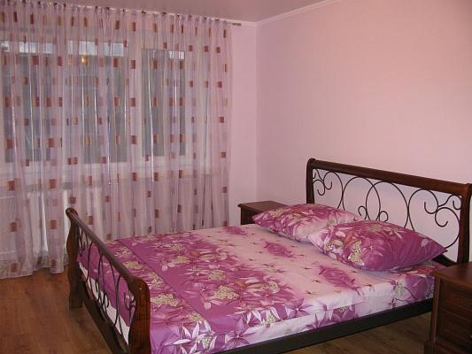 3-комнатная квартира посуточно в Луцке. ул. Ровенская, 84. Фото 1