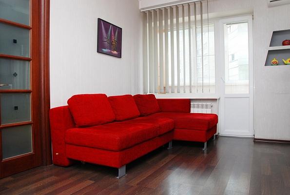 2-комнатная квартира посуточно в Киеве. Голосеевский район, ул. Красноармейская, 118. Фото 1