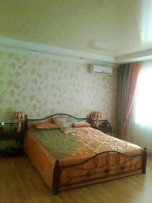Дом  посуточно в Севастополе. Ленинский район, ул. Сафронова, 30. Фото 1