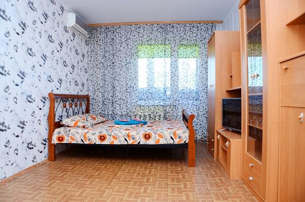 1-комнатная квартира посуточно в Киеве. Дарницкий район, ул. Драгоманова, 14. Фото 1