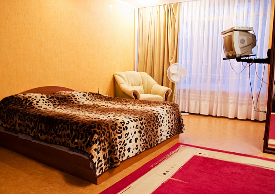 1-комнатная квартира посуточно в Сумах. Заречный район, ул. Октябрская, 25. Фото 1