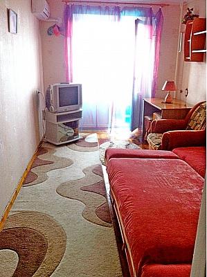 1-комнатная квартира посуточно в Бердянске. ул. Мазина, 52. Фото 1