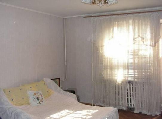 1-комнатная квартира посуточно в Черновцах. Шевченковский район, пл. Соборная, 1. Фото 1