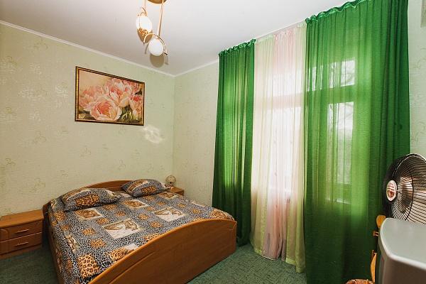 2-комнатная квартира посуточно в Северодонецке. бул. Дружбы Народов (ул. Ленина) , 50. Фото 1