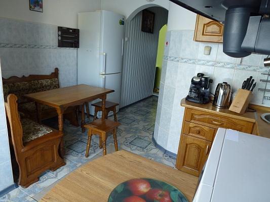 1-комнатная квартира посуточно в Ужгороде. ул. Лермонтова, 1. Фото 1