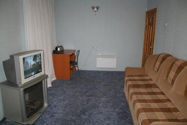3-комнатная квартира посуточно в Сумах. Ковпаковский район, переулок Институтский, 4. Фото 1