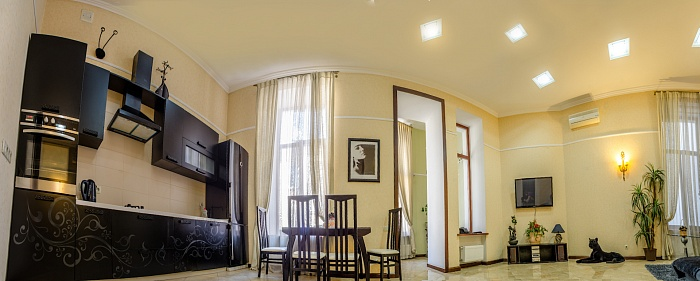 3-комнатная квартира посуточно в Одессе. Приморский район, ул. Греческая, 25. Фото 1