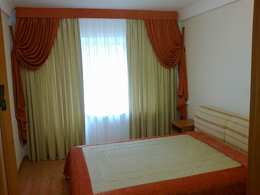 2-комнатная квартира посуточно в Киеве. Соломенский район, ул. Богдановская, 2. Фото 1
