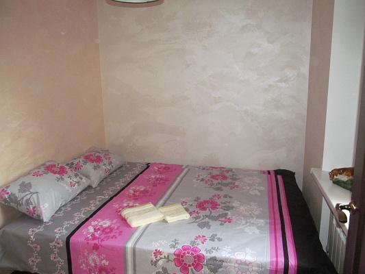 2-комнатная квартира посуточно в Киеве. Днепровский район, Харьковское шоссе, 8. Фото 1