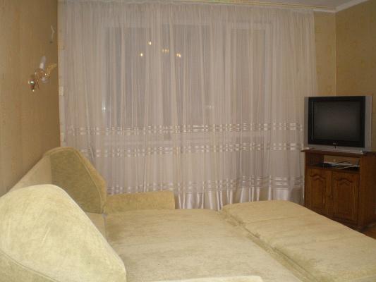 1-комнатная квартира посуточно в Одессе. Киевский район, ул. Авдеева Черноморского, 2. Фото 1