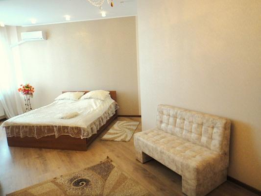 1-комнатная квартира посуточно в Одессе. Приморский район, ул. Среднефонтанская, 19. Фото 1