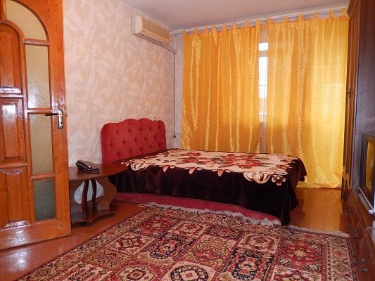 1-комнатная квартира посуточно в Севастополе. Ленинский район, ул. Гоголя, 29. Фото 1