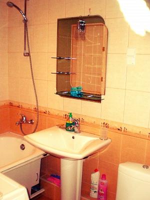 1-комнатная квартира посуточно в Симферополе. Железнодорожный район, ул. Железнодорожная, 12. Фото 1