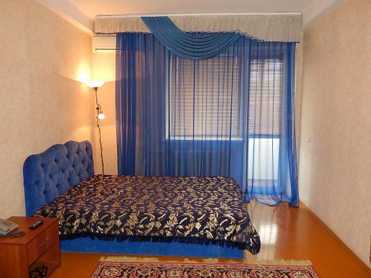 1-комнатная квартира посуточно в Севастополе. Ленинский район, ул. Очаковцев, 26. Фото 1