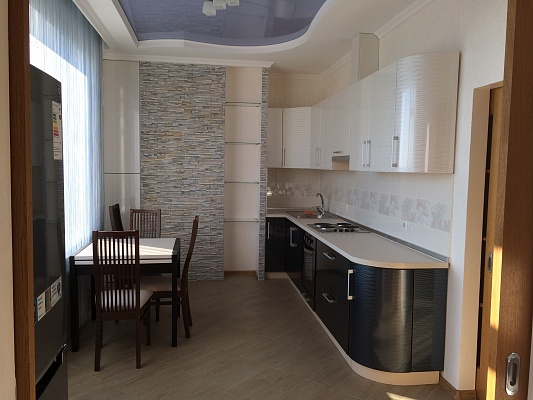 1-комнатная квартира посуточно в Одессе. Приморский район, Пантелеймоновская, 112. Фото 1