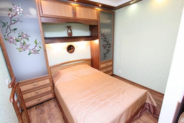 1-комнатная квартира посуточно в Феодосии. ул. Федько , 28. Фото 1