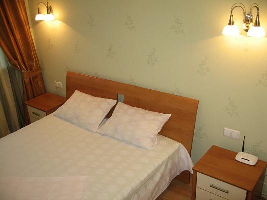 2-комнатная квартира посуточно в Днепропетровске. Бабушкинский район, ул. Центральная, 2. Фото 1
