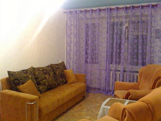 1-комнатная квартира посуточно в Днепропетровске. Индустриальный район, С. Ковалевского, 67. Фото 1