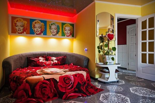 1-комнатная квартира посуточно в Черкассах. ул. Казацкая, 9. Фото 1