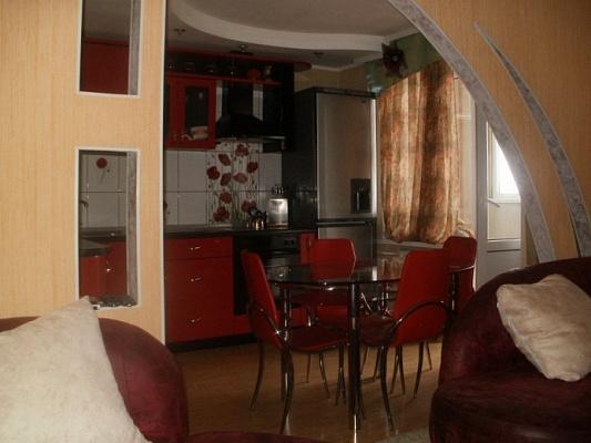2-комнатная квартира посуточно в Николаеве. Заводской район, ул. Крылова, 56. Фото 1