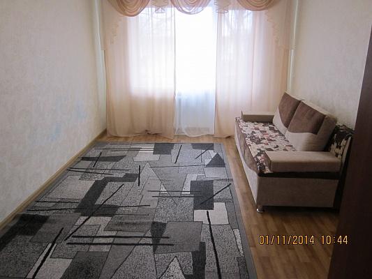 2-комнатная квартира посуточно в Днепродзержинске. ул. Магнитогорская, 7. Фото 1